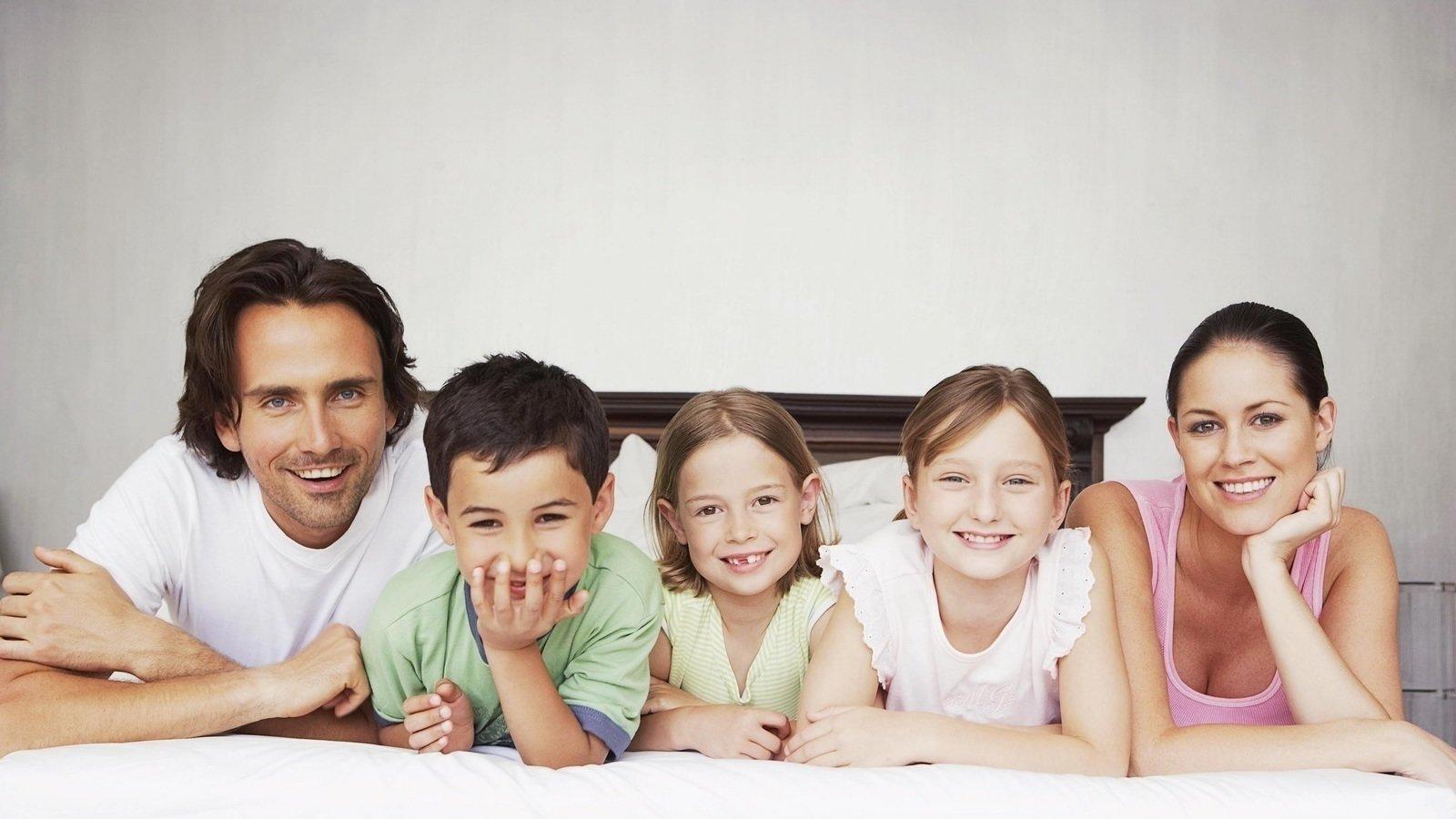 Детские открытки, картинки с тремя детьми