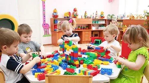 Дети в детских садах фото