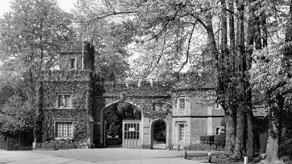 Petition Watford Borough Council Rebuild The Iconic Cassiobury