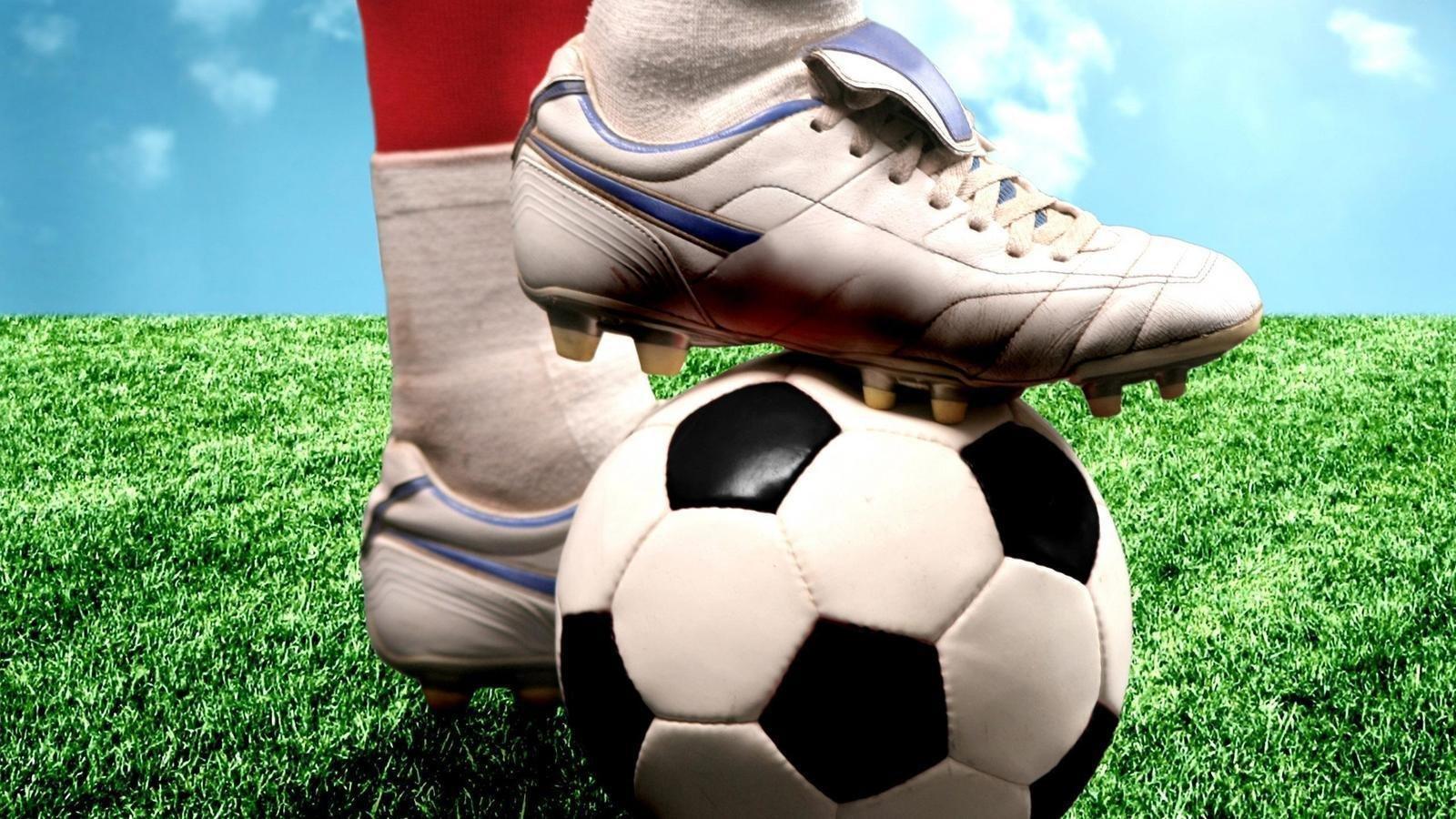 f771a5d6beeb Отличающейся от тысяч реплик футбольной обуви, качеством, лёгкостью и  надёжностью. У нас вы можете купить футбольные бутсы , которые прослужат  вам долго, ...