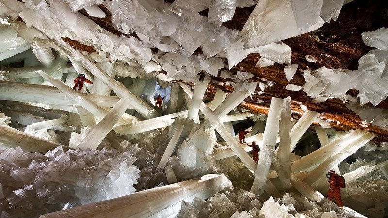 Conservar el patrimonio natural de la cueva de los cristales gigantes.