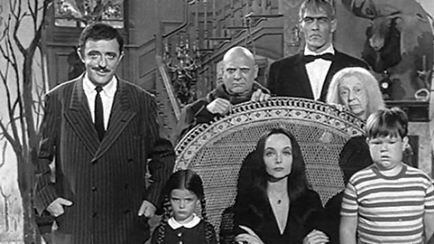 Peticion Tim Burton The Addams Family Movie Remake By Tim Burton Remake De La Pelicula Los Locos Addams Change Org