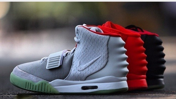 Re release the air Yeezy 2