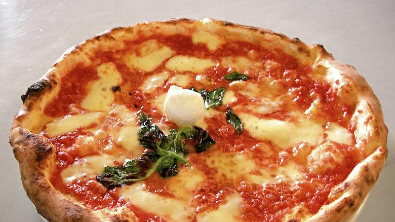 La Credenza Pizzeria : Pizza e tata a roma la pizzeria napoletana tuscolana