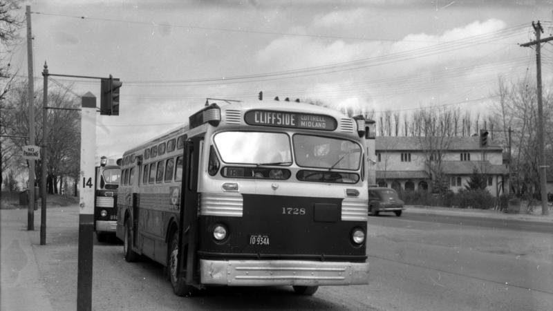 Dedicated TTC Kingston Road Bus Route In Scarborough