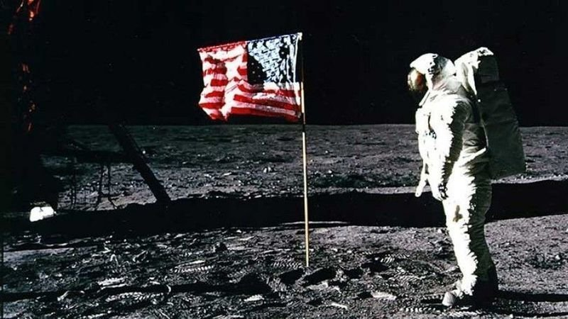 Petition · Add planting American Flag on the moon scene to