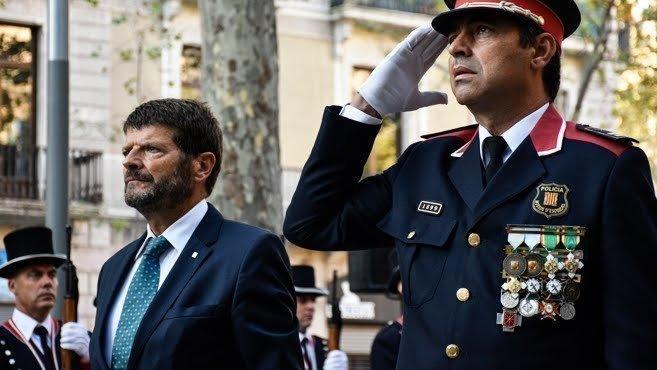 Petici n ministerio del interior retirada medallas for Ministerio interior y policia