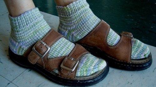 e7cb0208100 Pétition · Karl Lagerfeld  Stop au port des chaussettes avec des sandales ·  Change.org