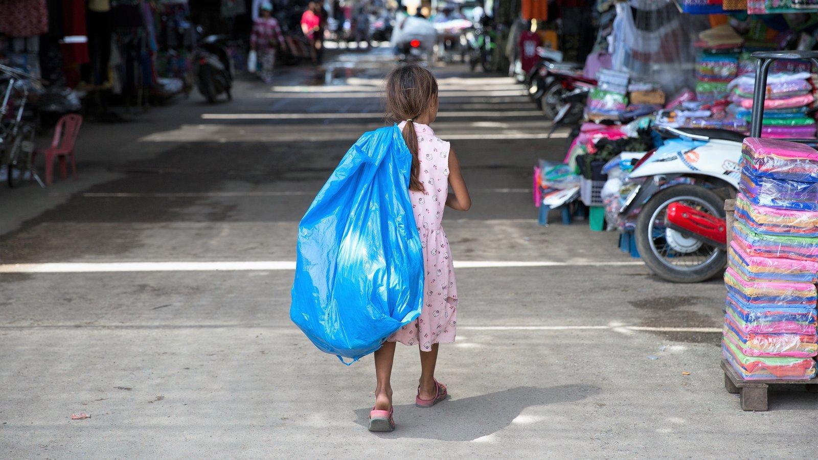 Petizione i bambini devono giocare e studiare non for Lavorare al parlamento italiano