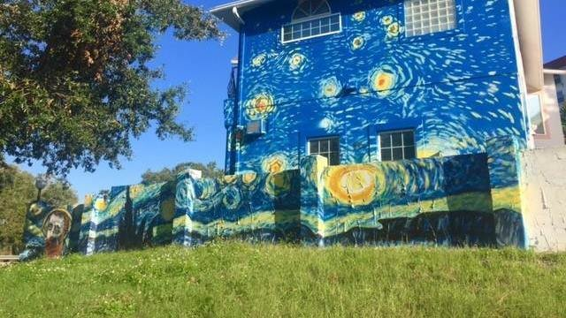 Petition mount dora city manager and city council for Mural de la casa del migrante analyse