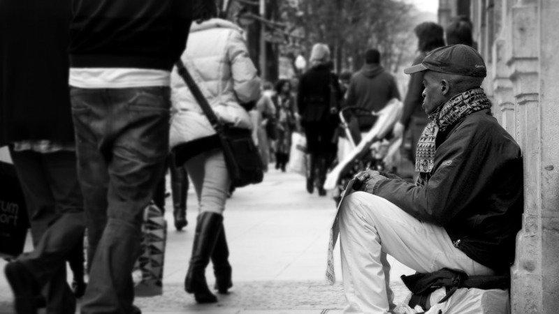 Le Persone Povere.Petizione Combattiamo La Poverta Non Le Persone Povere