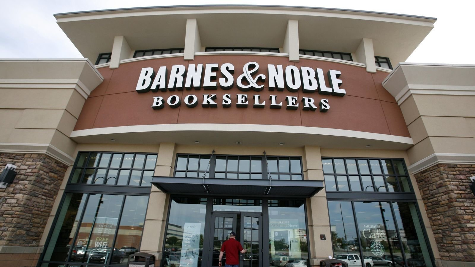 Petition · Ask Barnes & Nobles not to close its store at ...
