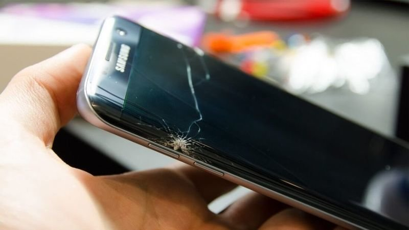 Petition · Get Samsung to offer a one time FREE glass sceen