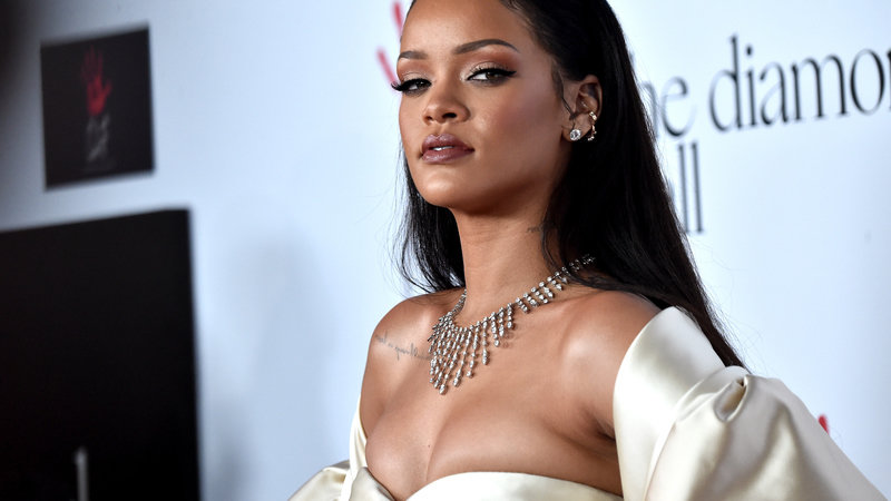 Miraculous Petition Rihanna Rihanna To Finsh A Full 4 Minute Version Of Funny Birthday Cards Online Alyptdamsfinfo