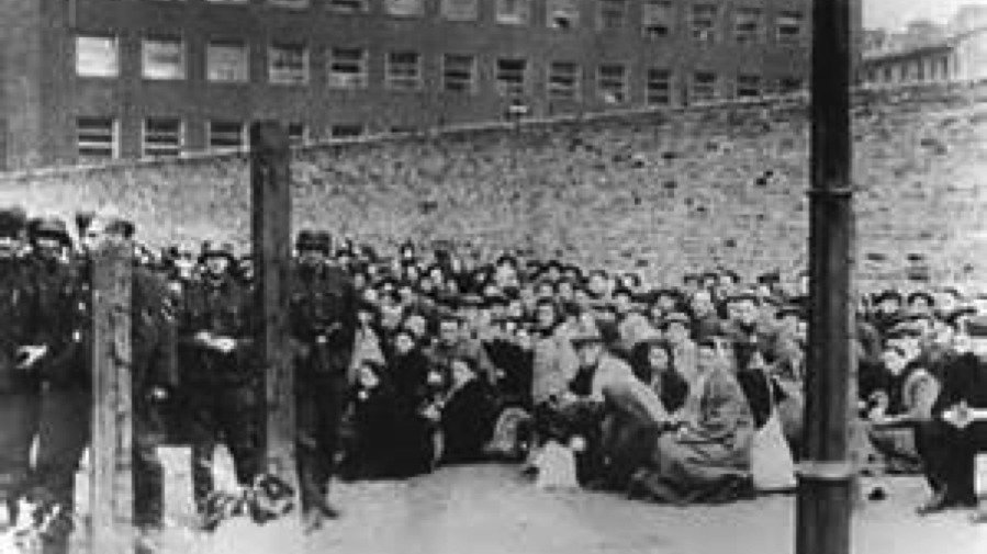the extermination of the jews during the holocaust