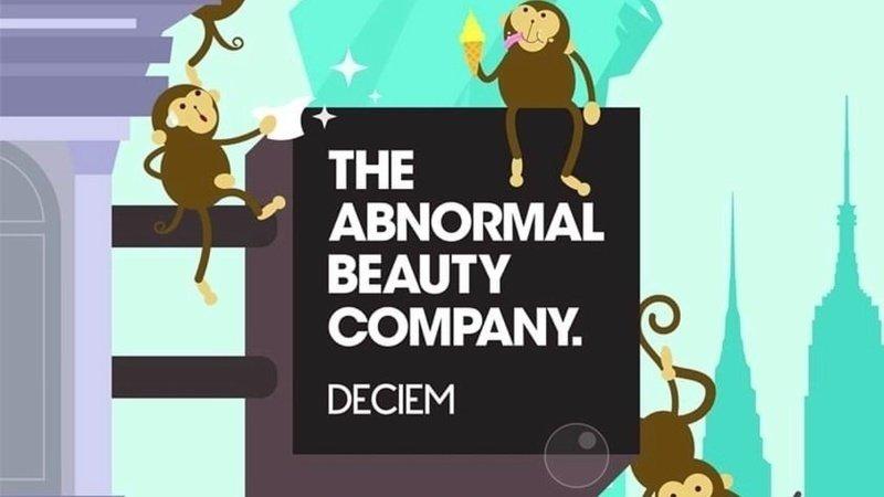Deciem用猴子做為團隊象徵,引導粉絲了解公司及產品最新動態,也表示其產品沒有做動物實驗(只有靈長/人類)。