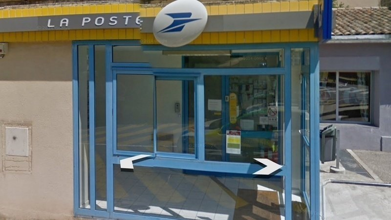 Petition · non À la fermeture du bureau de poste de malaucene