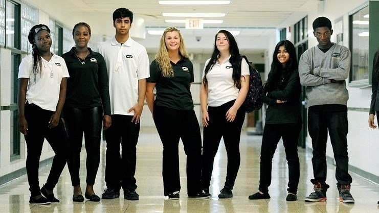The school uniforms debate: should students wear uniforms?